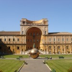 Cortile-Musei-Vaticani